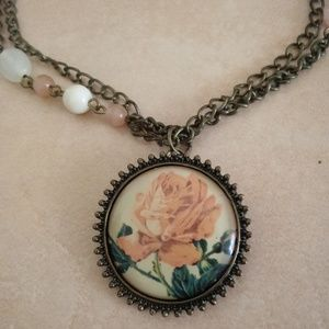 Jewelry - Vintage Rose Beaded Chain Necklace